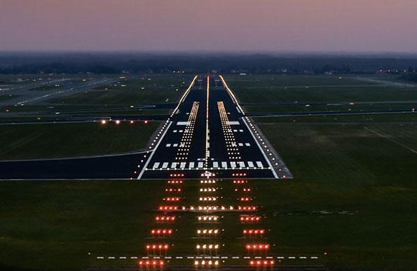 flyeurope-runway lights